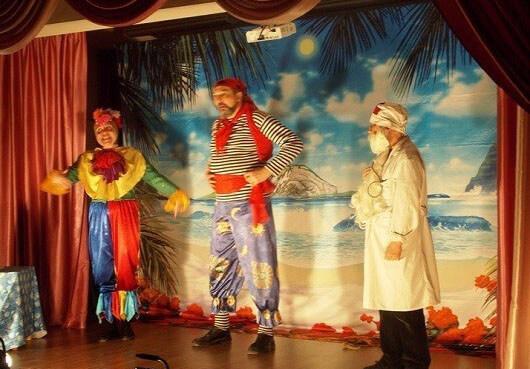 Выездной спектакль про Бармалея и доктора Айболита